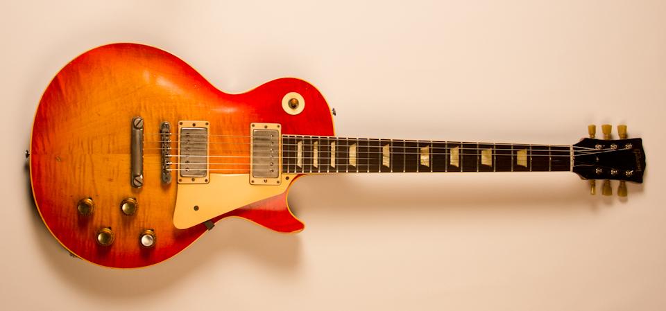 Les Paul Electric Guitars - Gibson
