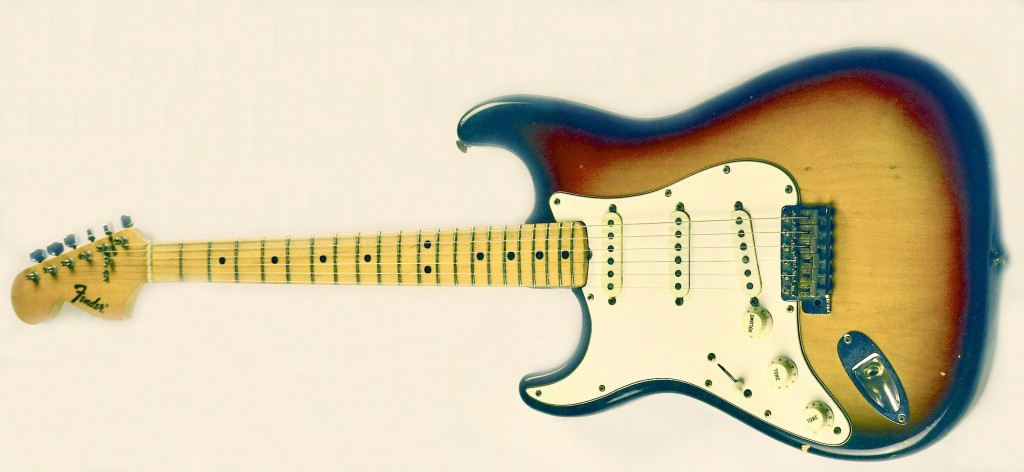 71 left maple cap Strat up - front